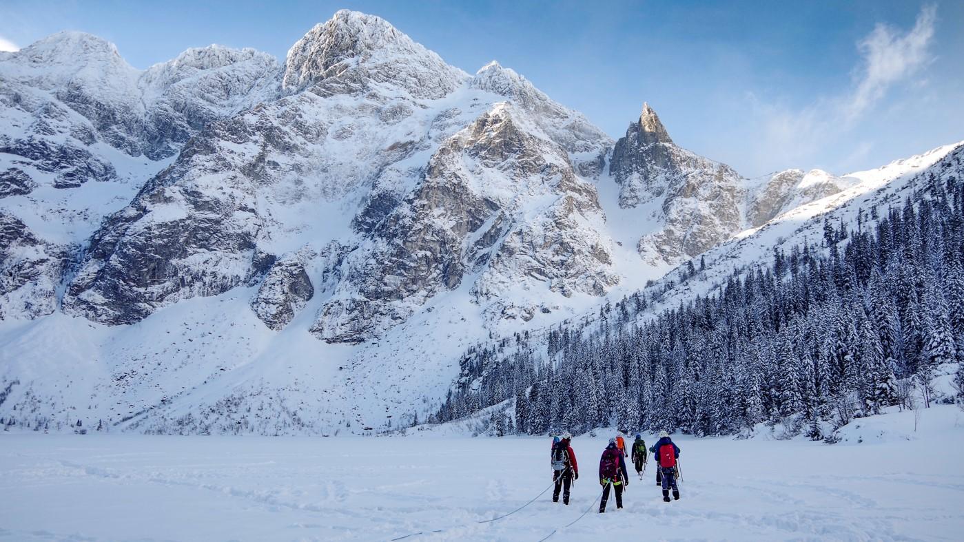 O czym pamiętać idąc zimą w góry