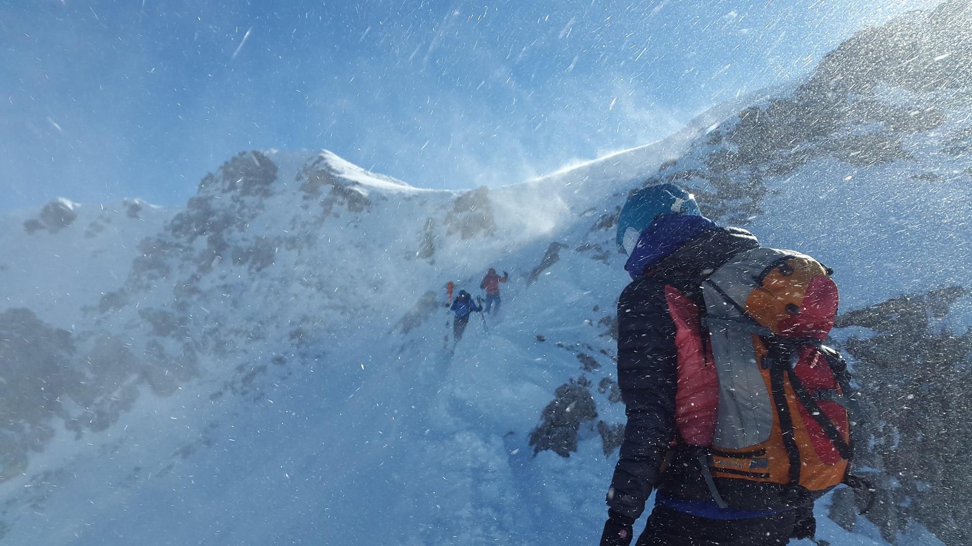 O czym pamiętać, idąc zimą w góry
