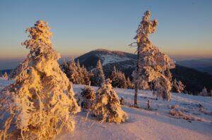 Zimowy wschód słońca na Hali Rysianka