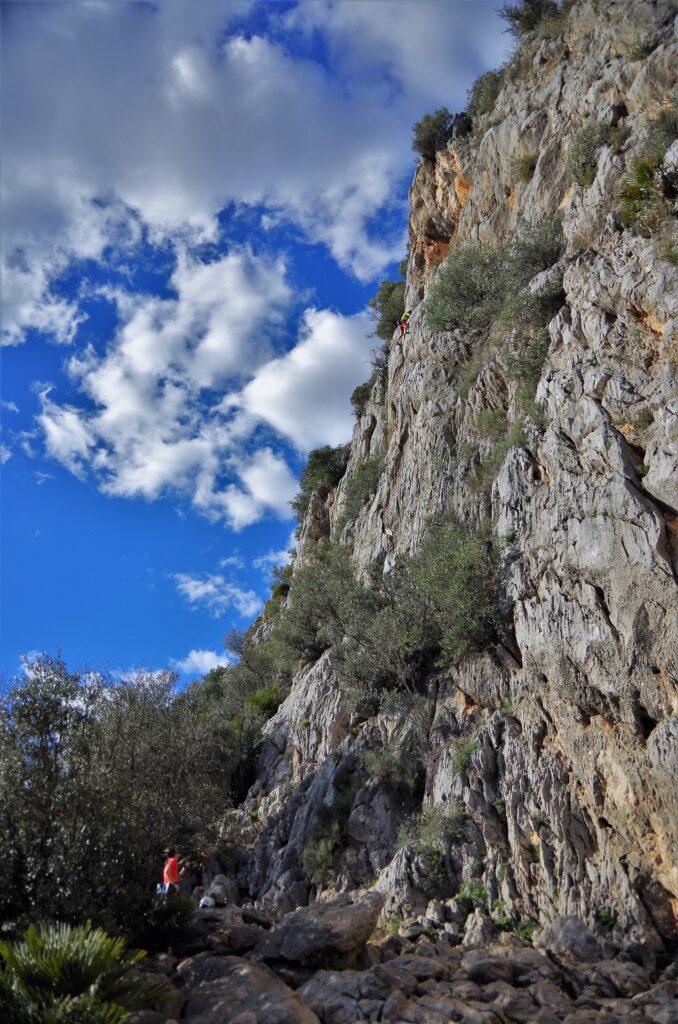 Wspinanie na drodze Hoghfather, Alcalali, Dolina Xalo