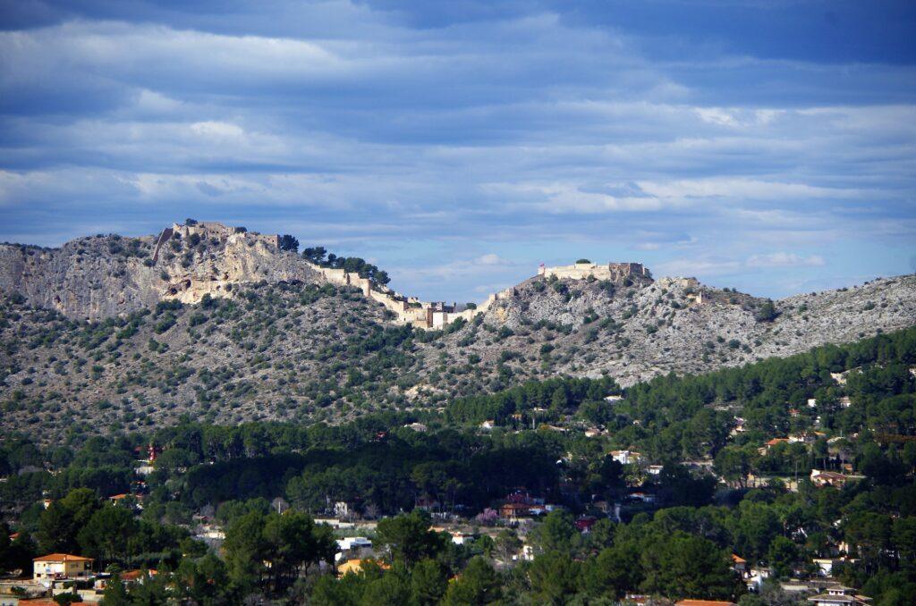 Widok na zamek w Xativie, Costa Blanca