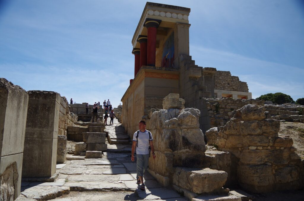 ruiny pałacu Knossos na Krecie