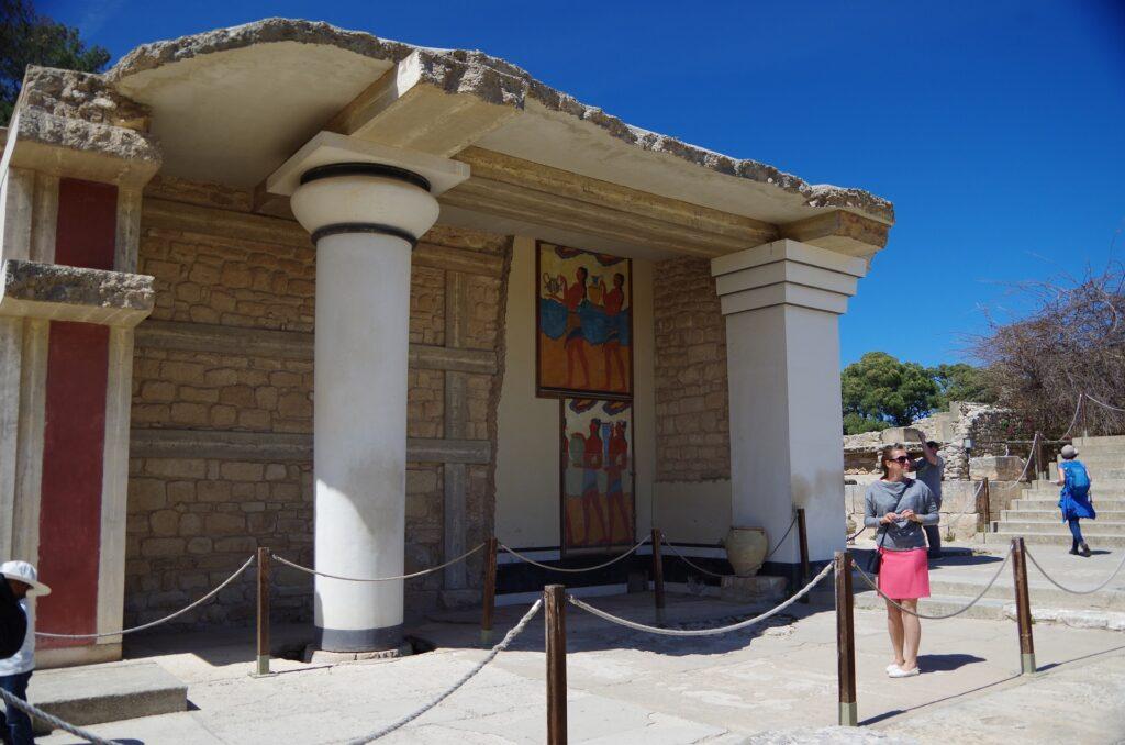 Zwiedzanie pałacu Knossos