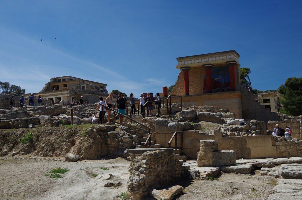 Pałac Knossos wiosną