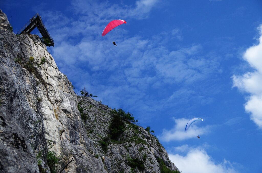 Paralotniarze w rejonie Hohe Wand