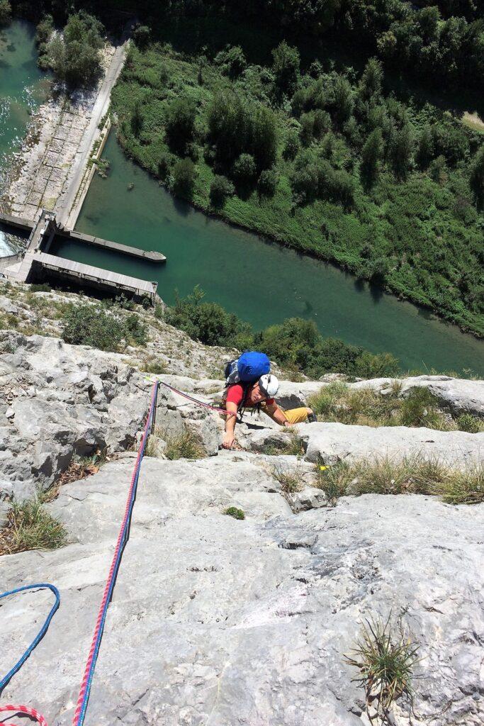 Wspinanie wielowyciągowe w ścianie Piccolo Dain, Włochy