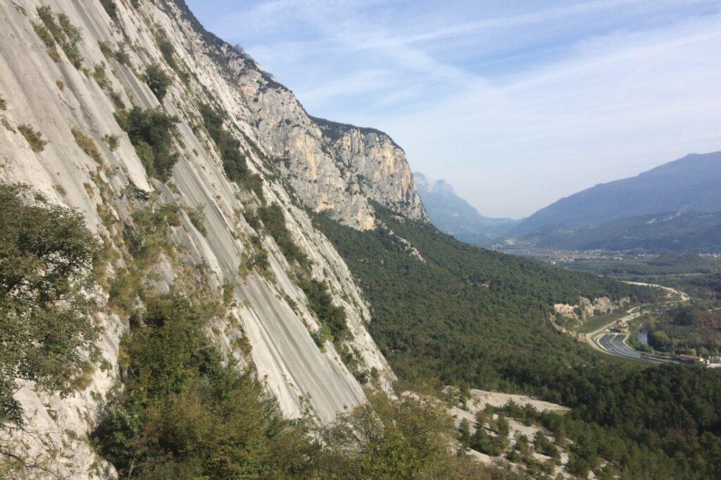Ściana wspinaczkowa w rejonie Placchce Zebrate