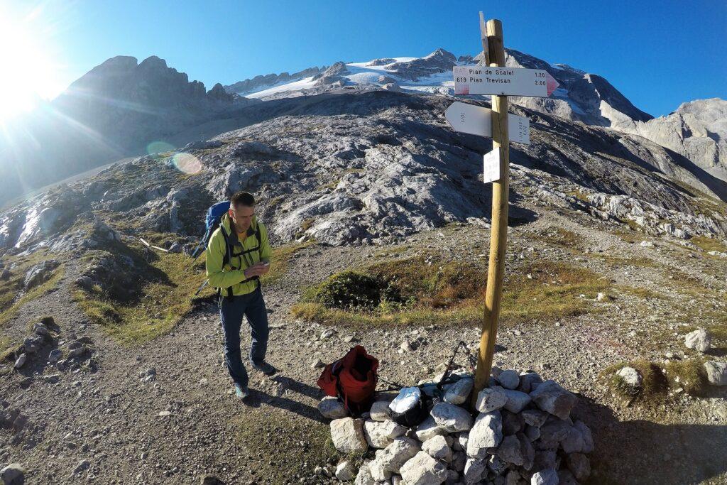 Podejście na lodowiec Marmolady przez przełęcz Forcella Col del Bous 2438 m
