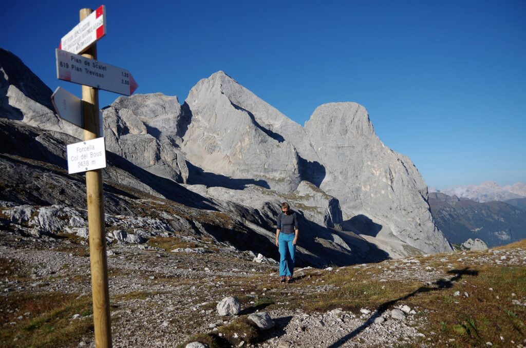 Widok na Gran Vernel 3205 m z przełeczy Forcella Col del Bous 2438 m