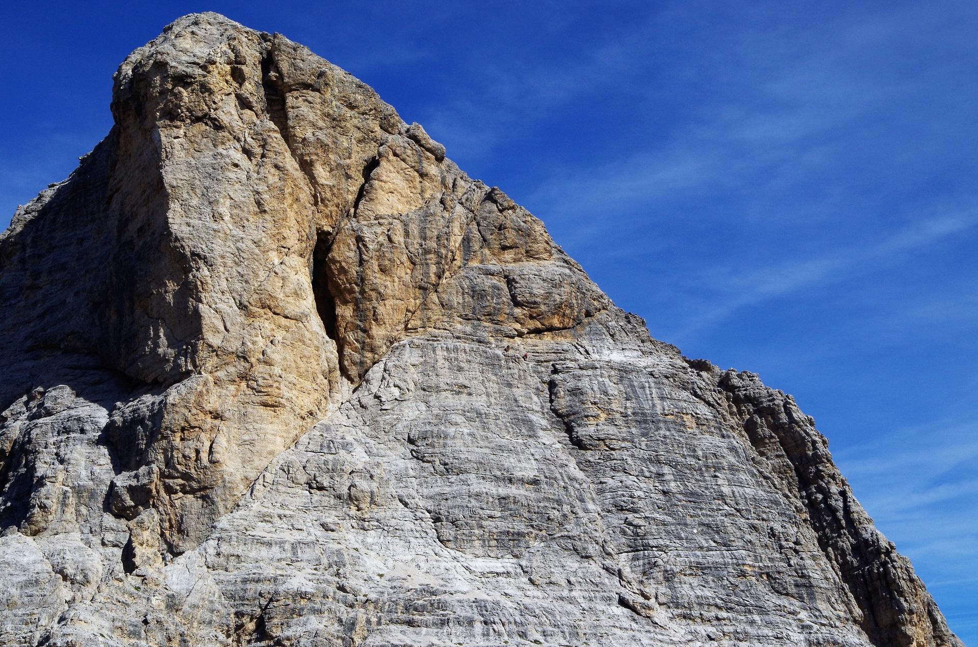 Z tej perspektywy wydaje się, że będzie ciężko iść ścianą Torre Pomedes III