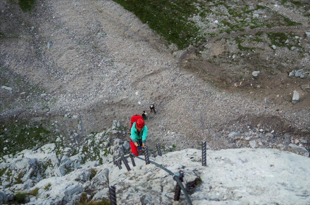 Pola na początku ferraty Anna Klettersteig na Dachstein