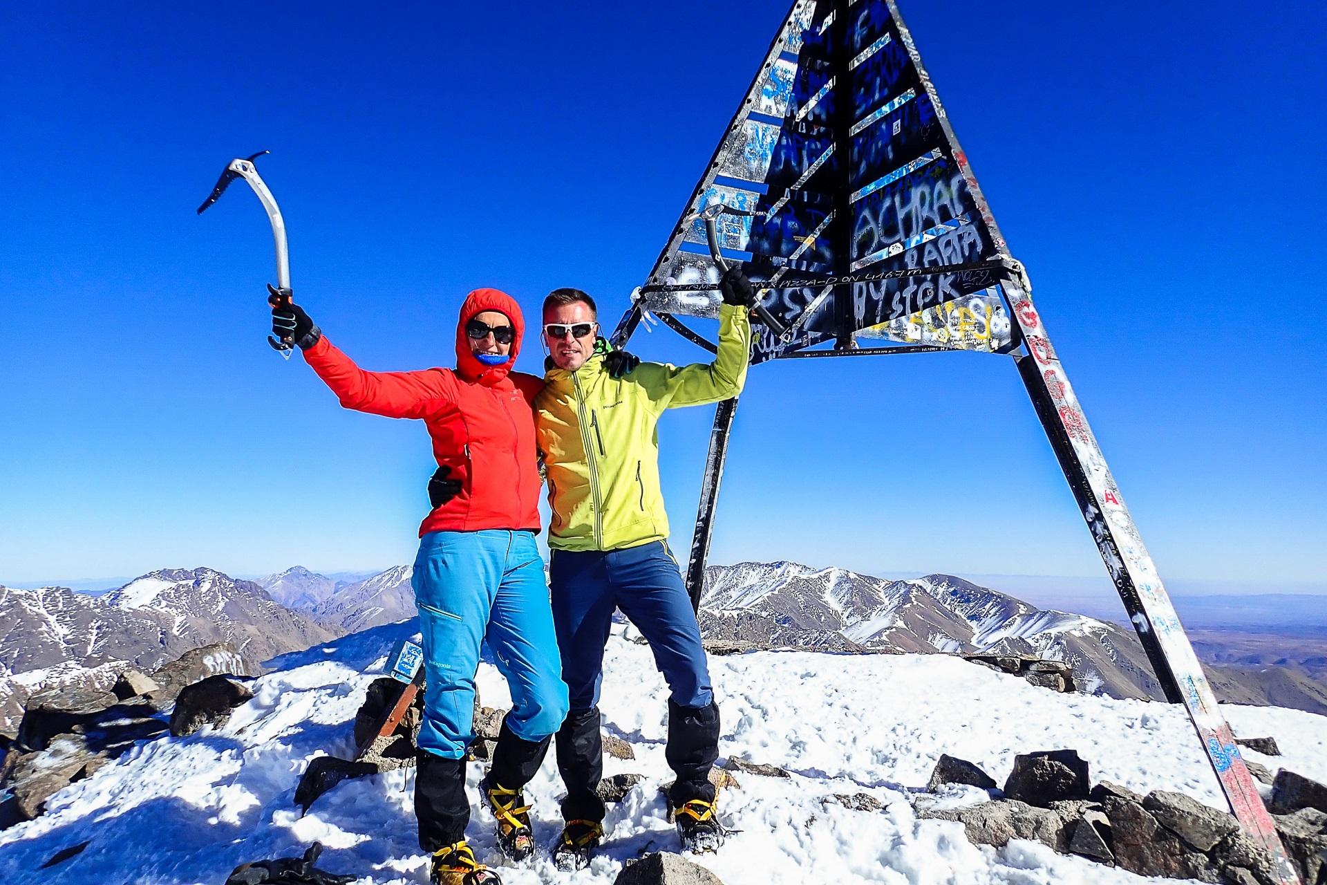 Radość ze zdobycia szczytu Jebel Toubkal bezcenna
