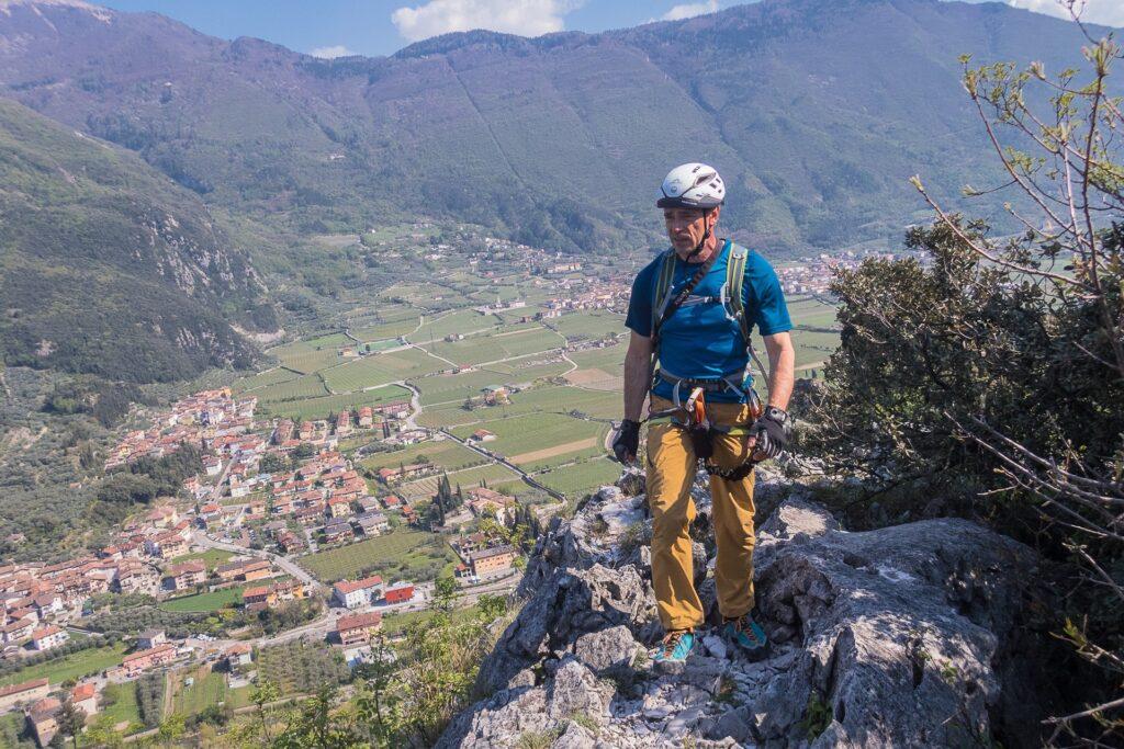 Wyjście z ferraty Cima Colodri i widok na Monti del Garda