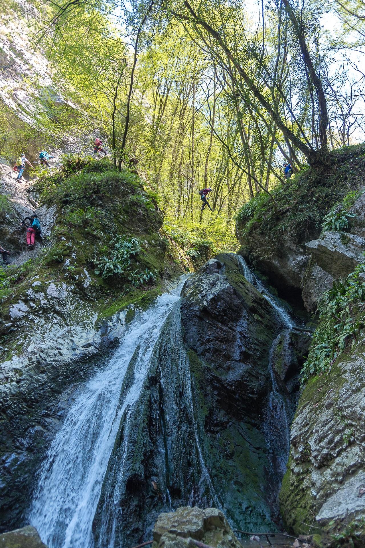 Most linowy nad wodospadem - via ferrata Rio Salagoni (A/B)
