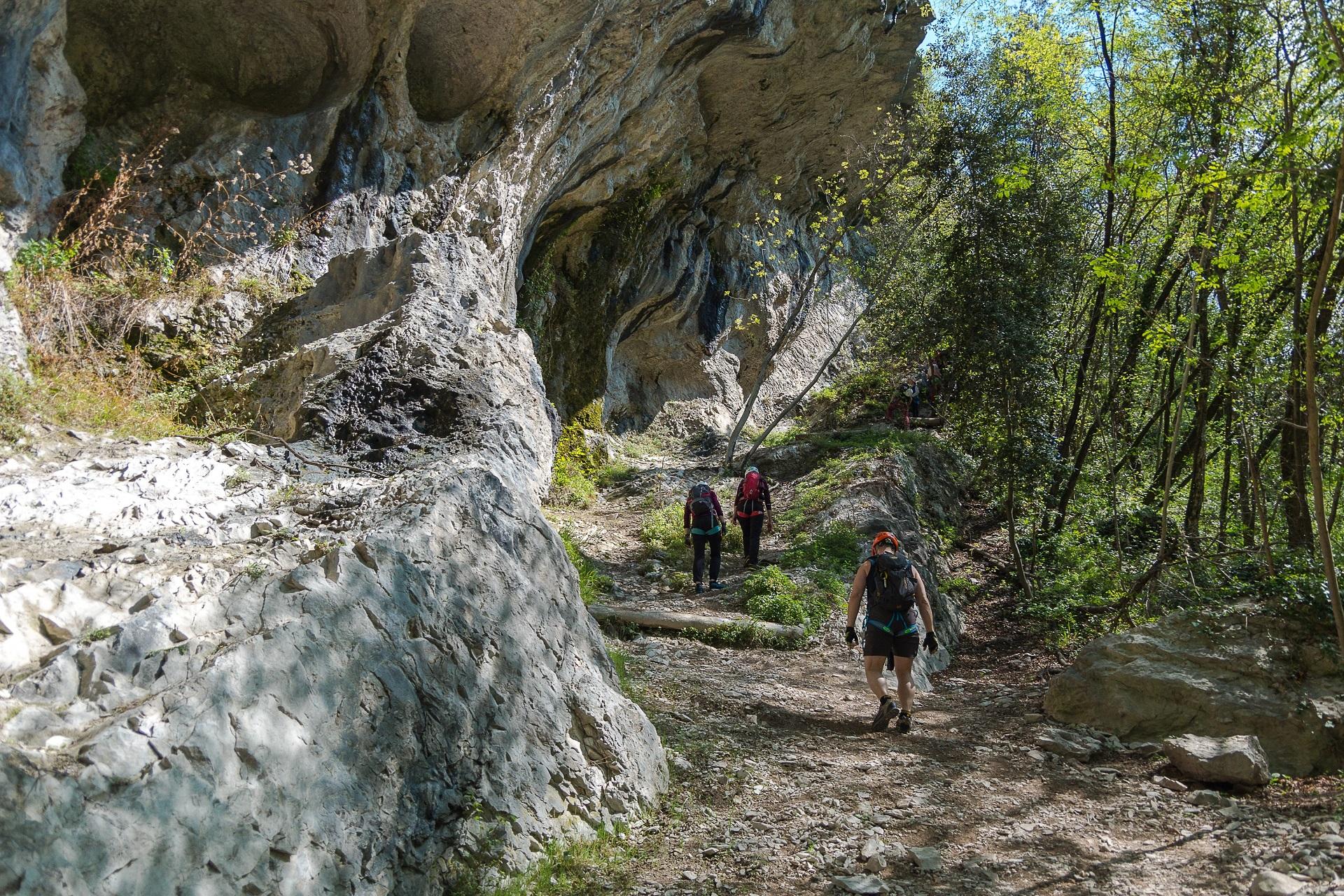 Wyjście w stronę zamku, po drugim odcinku via ferraty Rio Salagoni