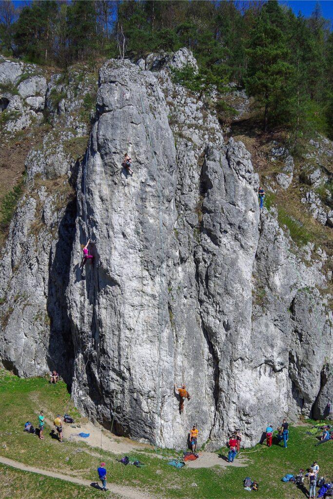 Wspinaczka na Filarze Abazego w Dolinie Bolechowickiej