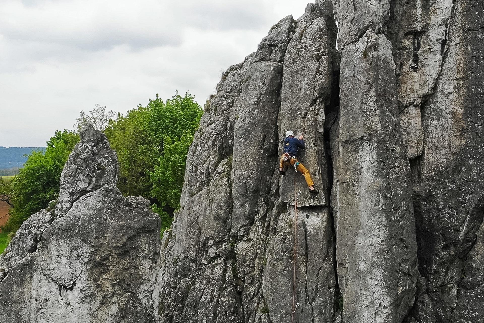 Wspinaczka w Dolinie Bolechowickiej - droga W cieniu Tytanów, VI.2