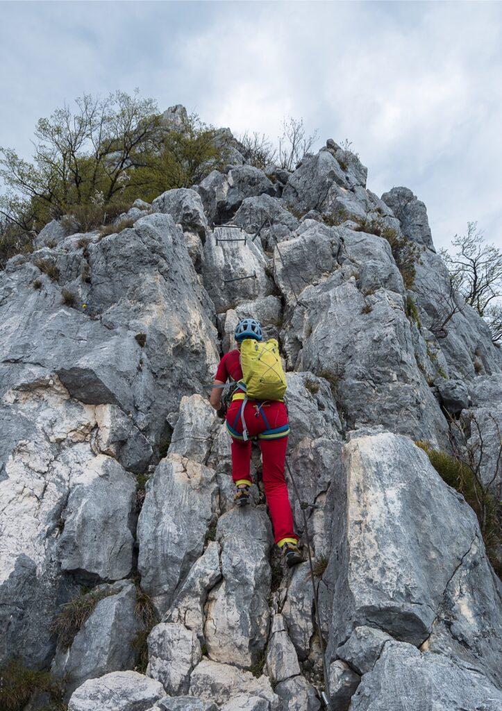 Ostatnie metry ferraty Cima Capi są pełne sztucznych ułatwień