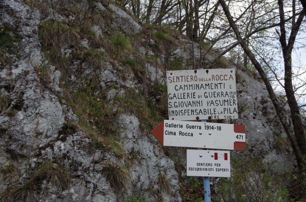 Gallerie do Guerra to tunel wchodzący w system umocnień wojskowych z I wojny światowej, można go zwiedzić udając się na Cimę Rocca