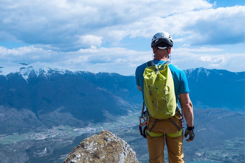 Po zakończonej ferracie mamy piękne widoki na jeziora Toblino, Cavedine i Garda, oraz na góry Monte Stivo