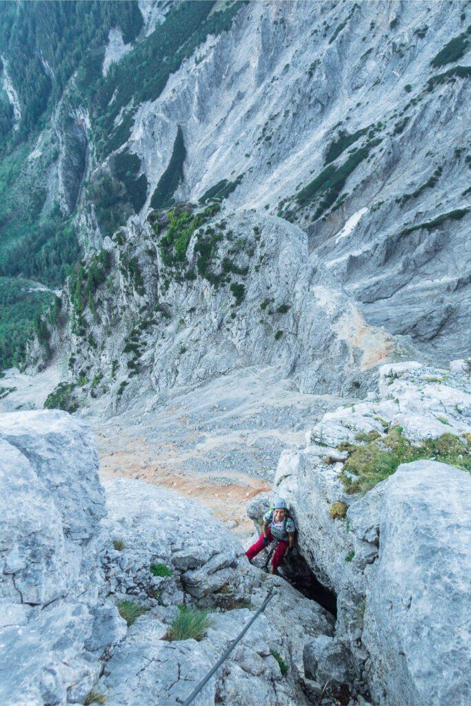 Po wyjściu z komina na ferracie Konigschusswandsteig czeka nas przyjemna wspinaczka